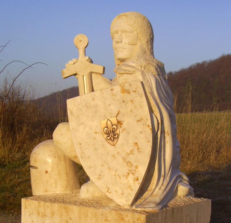 Ritterfigur aus Stein